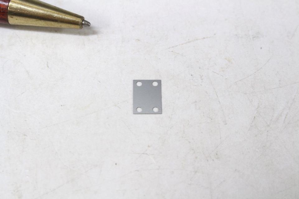 t0.1の薄板シムプレート画像