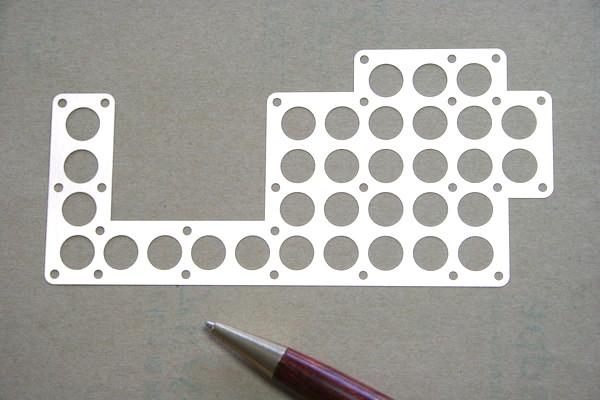 ステンレス製 多孔シム(スペーサー)の少量生産画像