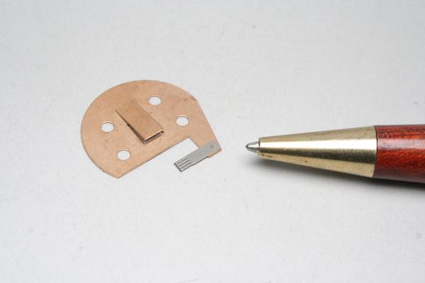 異種金属の接点部品 少量製作