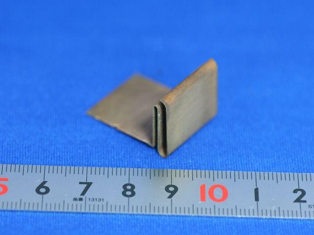 ワイヤーカットによるリン青銅板金部品の切り出し
