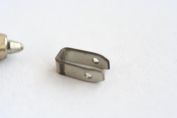 微細金具 プレス成形 量産品製作画像