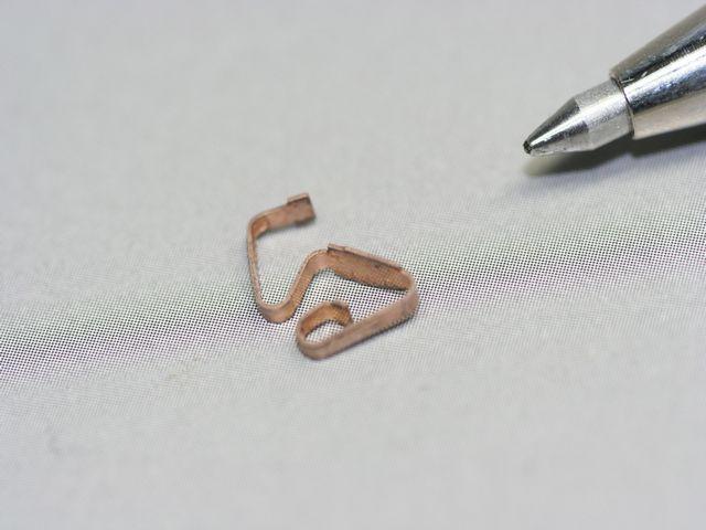 りん青銅接点バネ、金型レス製作(超精密板金)画像