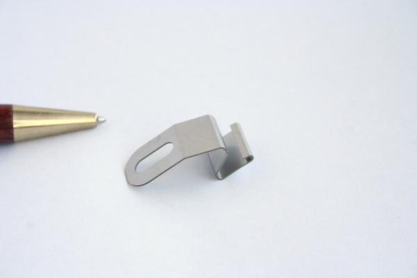 ステンレス製 異形板バネの少量製作画像