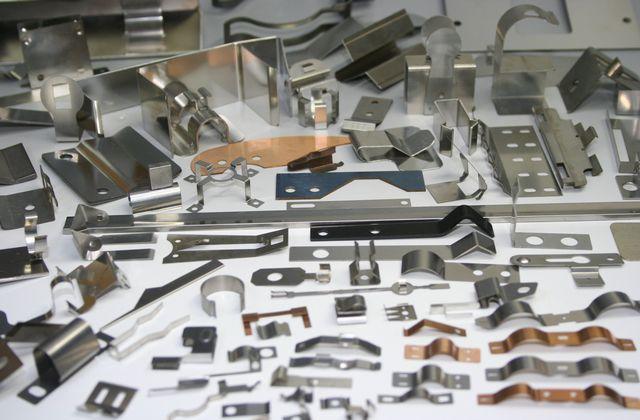 薄板バネ 形状・材質・溶接画像