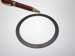 板厚0.5ミリの薄板チタンリング製作画像