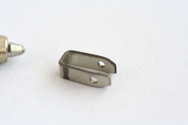 微細金具 プレス成形 量産品製作