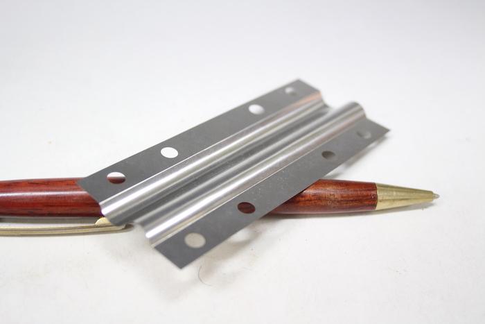 S字 薄板バネの試作品製作