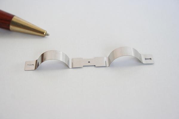 t0.1 高精度 板バネ 試作品製作画像