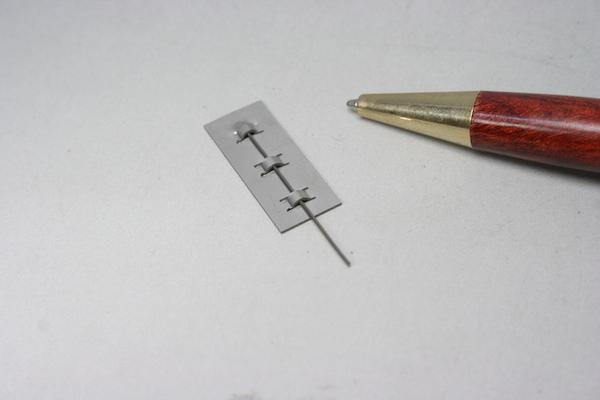 薄板金属金具の少量製作画像