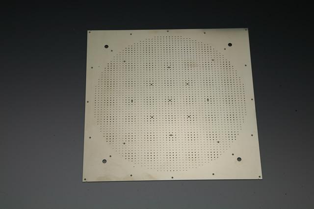 半導体チップ用搬送トレイ画像
