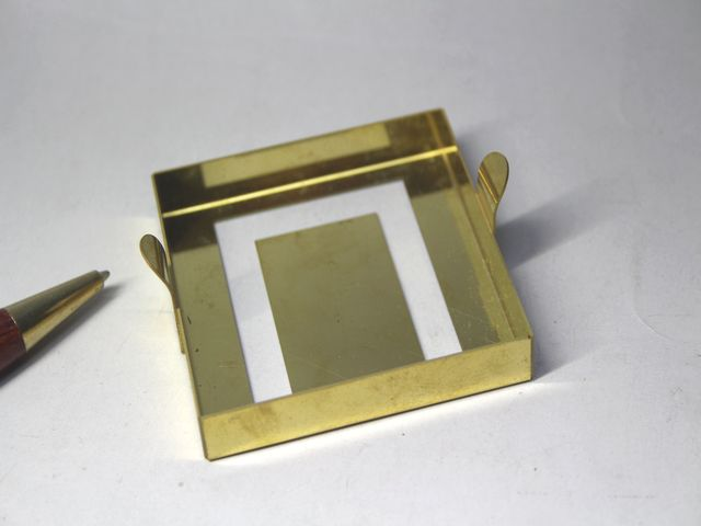 取手付き真鍮製シールドケースの、試作画像