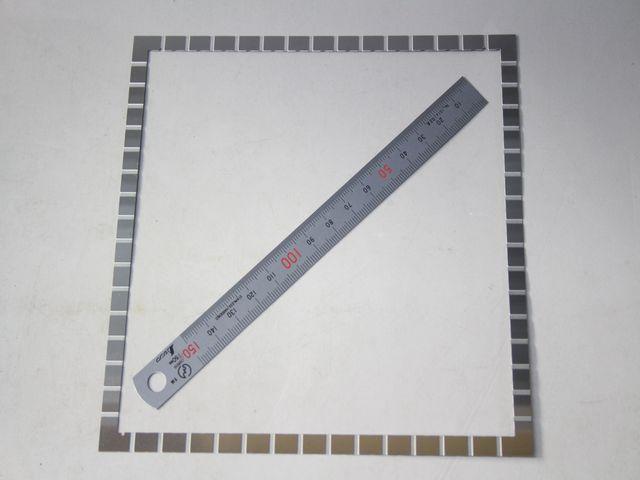 SUS304 t0.6 シム 凸凹加工画像