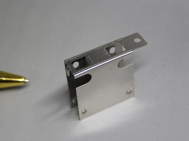制御装置 基盤固定板バネ(板ばね)ケース画像