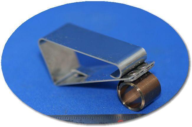 ステンレス製 複合クリップ(板ばね) - 薄板金属加工画像