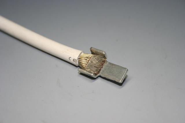 電器部品用接点とリード線接合画像