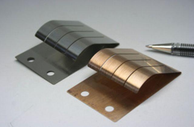 異素材 同一形状のクリップ製作