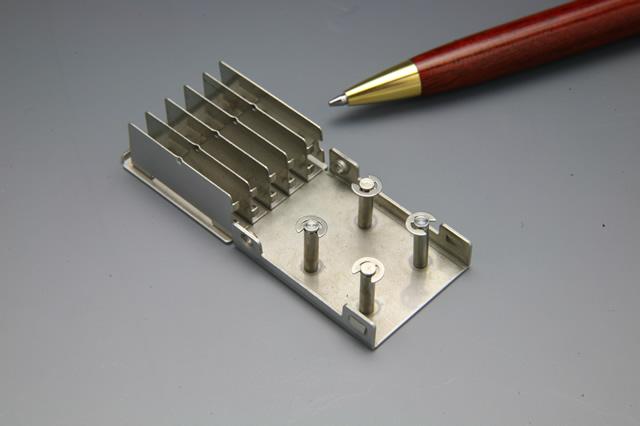 半導体チップ押さえフォルダー