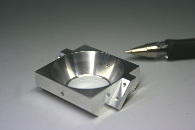 アルミ製 ノズル固定台(半導体レーザー装置部品)画像