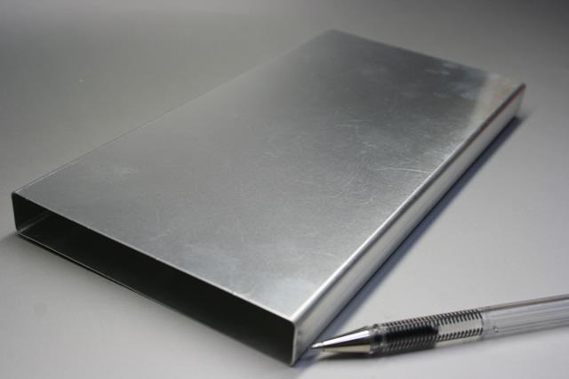 リチウムイオン電池ケース画像