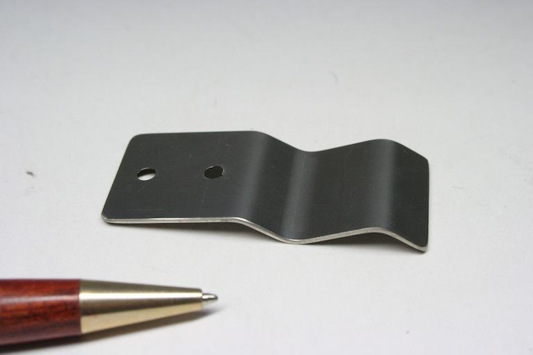 ステンレス製 板バネ画像