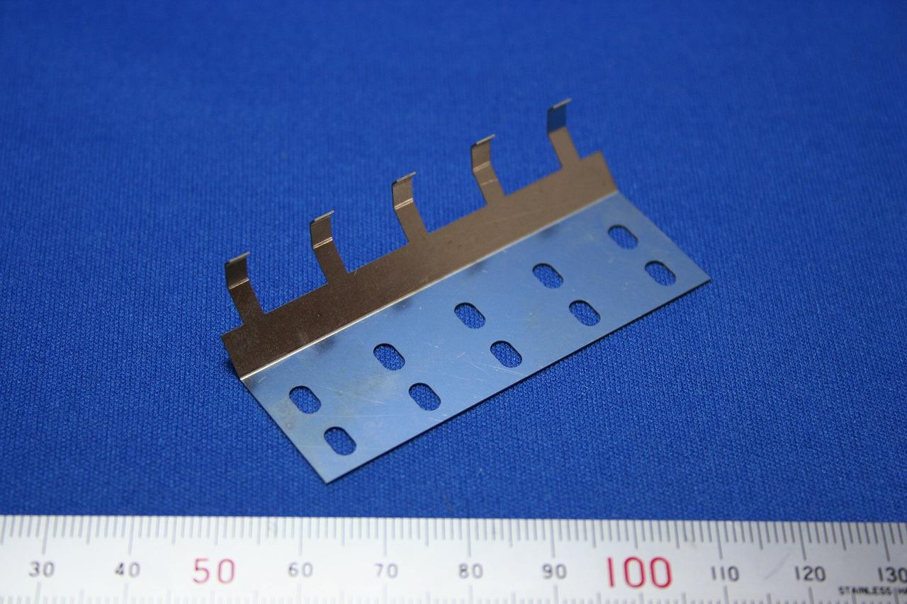 精密板金部品 SUS304 1/2H t0.3画像