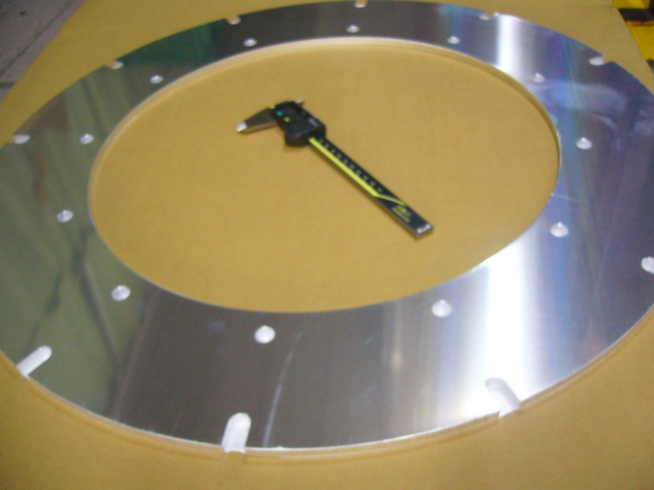 アルミ 板厚8mmのレーザー加工画像