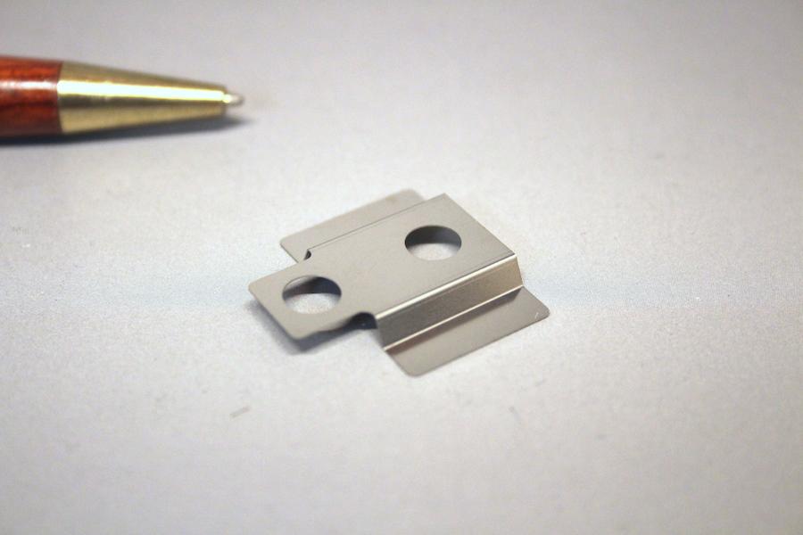 SUS301 CSP t0.2 板バネ(部品押さえ用)画像