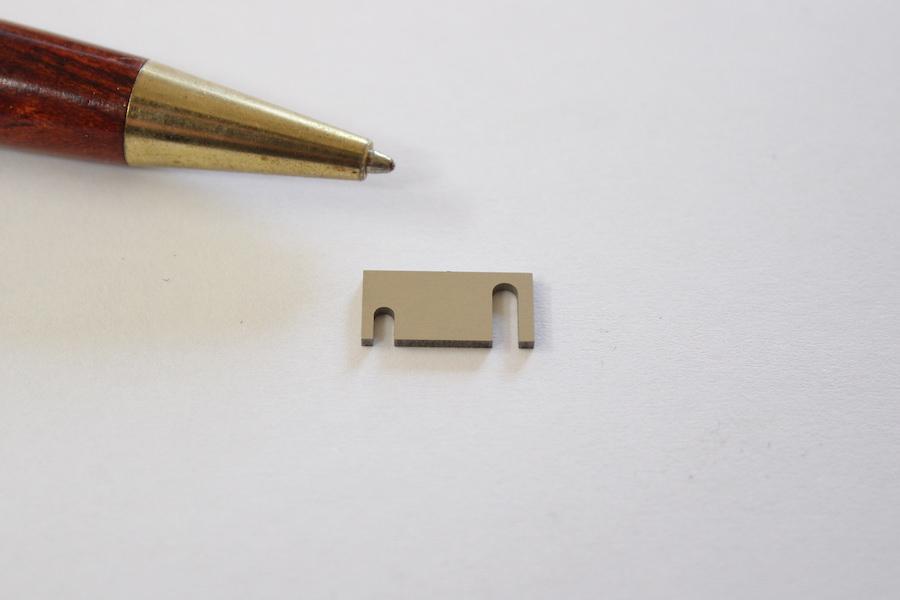 厚板微細シムプレート画像